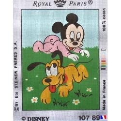 Canevas à broder 22 x 30 cm marque ROYAL PARIS thème DISNEY Mickey bébé et Pluto fabrication française