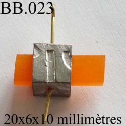 accessoire biche de bère en métal et caoutchouc souple couleur orange longueur 20 mm coté 6 mm coté du métal 10 mm