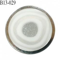 Bouton 13 mm couleur argent et blanc accroche avec un anneau diamètre 13 mm épaisseur 4.5 mm prix à l'unité
