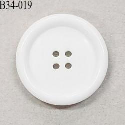 Bouton 34 mm en pvc couleur blanc 4 trous diamètre 34 mm épaisseur 5.5 mm prix à l'unité