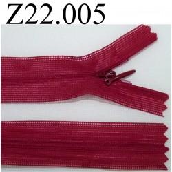 fermeture éclair invisible longueur 22 cm couleur bordeau non séparable zip nylon largeur 2,3 cm
