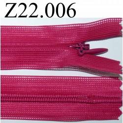fermeture éclair invisible longueur 22 cm couleur rose fushia non séparable zip nylon largeur 2,3 cm