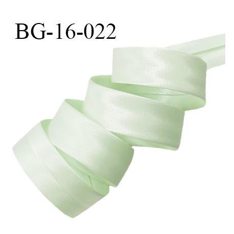 Biais plié 16 mm couleur vert amande brillant effet satin largeur 16 mm avec deux rebords pliés de 8 mm prix au mètre