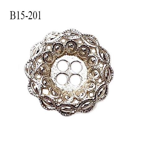 Bouton 18 mm en métal couleur chrome 4 trous diamètre 18 mm épaisseur 3 mm prix à l'unité
