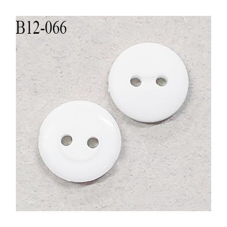Bouton 12 mm couleur naturel 2 trous largeur 12 mm épaisseur 3 mm prix à l'unité