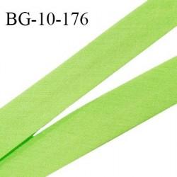 Biais galon 10 mm pré plié au dos 2 rabats de 5 mm coton polyester couleur vert pomme largeur 10 mm prix au mètre