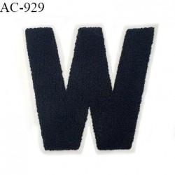Ornement applique écusson sur support style feutrine à coudre lettre W couleur noir prix à l'unité