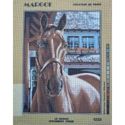 canevas 40x50 marque MARGOT DE PARIS cheval le haras dimension 40 centimètres par 50 cm 100 % coton