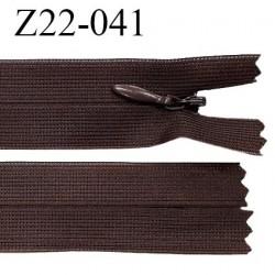 Fermeture zip 22 cm couleur chocolat non séparable avec glissière nylon largeur 2.5 cm prix à l'unité