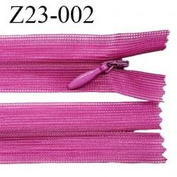 Fermeture zip 23 cm couleur magenta non séparable avec glissière nylon largeur 2.5 cm prix à l'unité