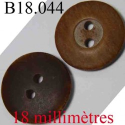 bouton 18 mm couleur marron foncé et marron clair imitation  bois 4 trous diamètre 18 mm