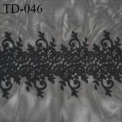Tissu dentelle brodé sur tulle extensible couleur noir haut de gamme largeur 35 cm prix pour 10 cm de longueur