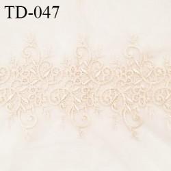 Dentelle brodée sur tulle extensible couleur beige rosé ivoire haut de gamme largeur 35 cm prix pour 10 cm de longueur