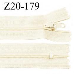 Fermeture zip YKK 20 cm non séparable couleur beige clair glissière nylon prix à l'unité