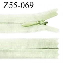 Fermeture zip YKK 55 cm non séparable couleur vert pistache zip glissière nylon invisible prix à l'unité