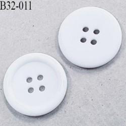 Bouton 31 mm en pvc couleur blanc 4 trous diamètre 31 mm épaisseur 4.5 mm prix à l'unité