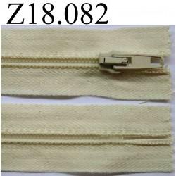 fermeture éclair longueur 18 cm couleur blanc cassé  crème non séparable zip nylon largeur 3.2 cm