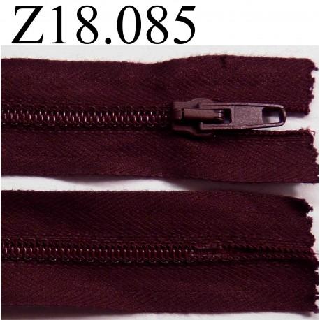 fermeture zip glissi re longueur 18 cm couleur bordeau prune fonc non s parable zip nylon. Black Bedroom Furniture Sets. Home Design Ideas