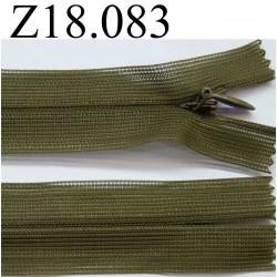 fermeture éclair verte longueur 18 cm couleur vert kaki non séparable zip nylon largeur 3.2 cm