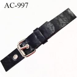 Brandebourg simili cuir couleur noir longueur 13.5 cm largeur 2 cm épaisseur 2.5 mm prix à l'unité composé de deux éléments