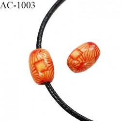 Perle en bois naturel vernis longueur 13 mm diamètre 9 mm pour cordon de 2 mm de diamètre vendu à l'unité