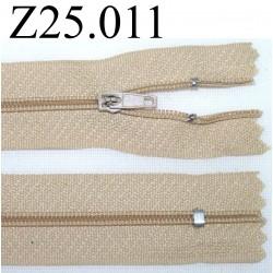 fermeture éclair  longueur 25 cm couleur beige non séparable zip nylon largeur 2,5 cm