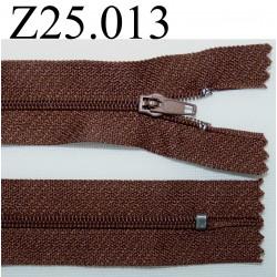 fermeture éclair  longueur 25 cm couleur marron non séparable zip nylon largeur 2,5 cm