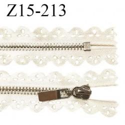 Fermeture zip 15 cm non séparable couleur doré light brillant longueur 15 cm largeur 2.5 cm prix à l'unité