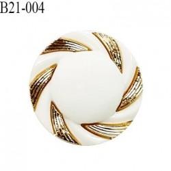 Bouton 21 mm en pvc couleur naturel et doré diamètre 21 mm accroche avec un anneau épaisseur 6 mm prix au mètre
