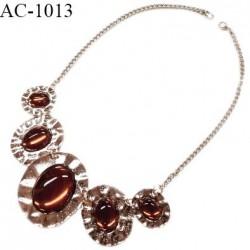 Collier style ambre sur chaîne couleur chrome longueur totale du tour de cou 48 cm prix au mètre