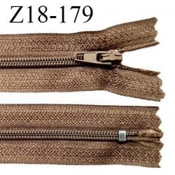 Fermeture zip 18 cm non séparable couleur marron clair largeur 2.7 cm zip nylon longueur 18 cm prix à l'unité
