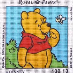 Canevas à broder ENFANT 15 x 15 cm marque ROYAL PARIS thème WINNIE L'OURSON ET LE PAPILLON fabrication française