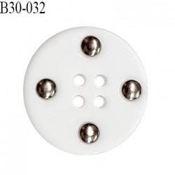 Bouton 30 mm en pvc couleur blanc 4 trous diamètre 30 mm épaisseur 5 mm prix à l'unité