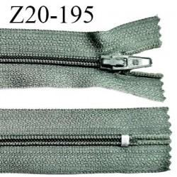 Fermeture zip 20 cm non séparable couleur vert laurier glissière nylon invisible largeur 5 mm longueur 20 cm prix à l'unité