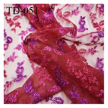 Tissu dentelle brodée couleur rose et violet sur tulle couleur rouge haut de gamme largeur 135 cm prix pour 10 cm de longueur