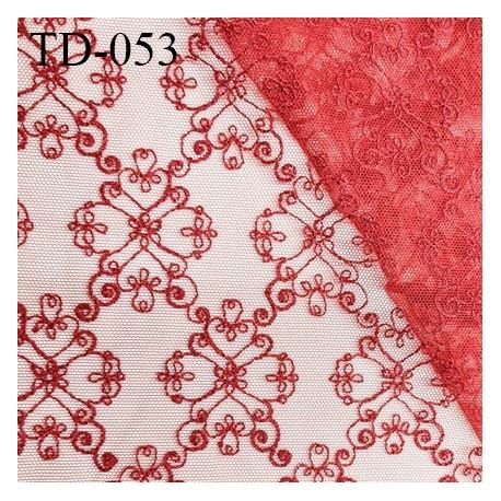 Tissu dentelle brodée sur tulle couleur rouge haut de gamme largeur cm prix pour 10 cm de longueur
