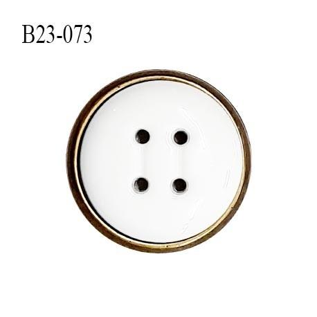 Bouton 23 mm en pvc couleur blanc sur socle couleur laiton bouton composé de deux éléments prix à l'unité