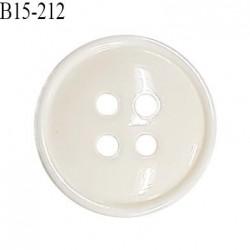 Bouton 15 mm en pvc couleur naturel brillant 4 trous diamètre 15 mm épaisseur 3.5 mm prix à la pièce