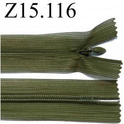 fermeture éclair invisible verte longueur 15 cm couleur vert kaki  non séparable zip nylon largeur 2.5 cm