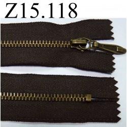 fermeture éclair longueur 15 cm  couleur marron foncé non séparable largeur 3 cm zip métal largeur du zip 5 mm