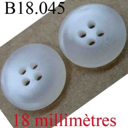 bouton 18 mm couleur blanc et blanc cassé clair marbré 4 trous diamètre 18 mm