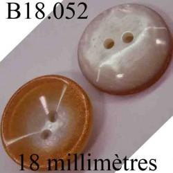 bouton 18 mm couleur orange pailleté et nacré blanc en forme de coquille 2 trous diamètre 18 mm