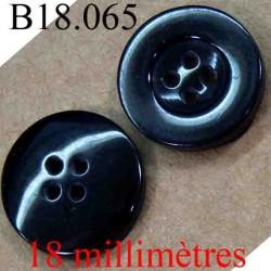 bouton 18 mm couleur noir brillant 4 trous diamètre 18 mm