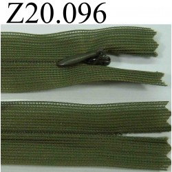 fermeture éclair invisible verte longueur 20 cm couleur vert kaki non séparable zip nylon largeur 2.2 cm