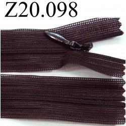 fermeture éclair invisible longueur 20 cm couleur prune foncé lit de vin non séparable zip nylon largeur 2.3 cm