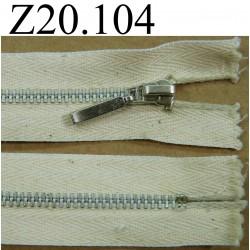 fermeture éclair  longueur 20 cm couleur blanc cassé beige non séparable zip métal alu largeur 2.8 cm