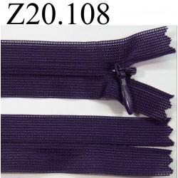 fermeture éclair invisible longueur 20 cm couleur violet foncé non séparable zip nylon largeur 2,4 cm