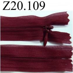 fermeture éclair invisible longueur 20 cm couleur bordeau non séparable zip nylon largeur 2,5 cm