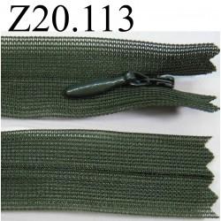 fermeture  éclair invisible verte longueur 20 cm couleur  vert kaki non séparable zip nylon largeur 2 cm