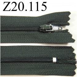 fermeture  éclair  longueur 20 cm couleur gris non séparable zip nylon largeur 2,4 cm